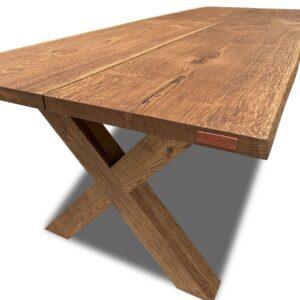 Rustik plankebord med naturkant